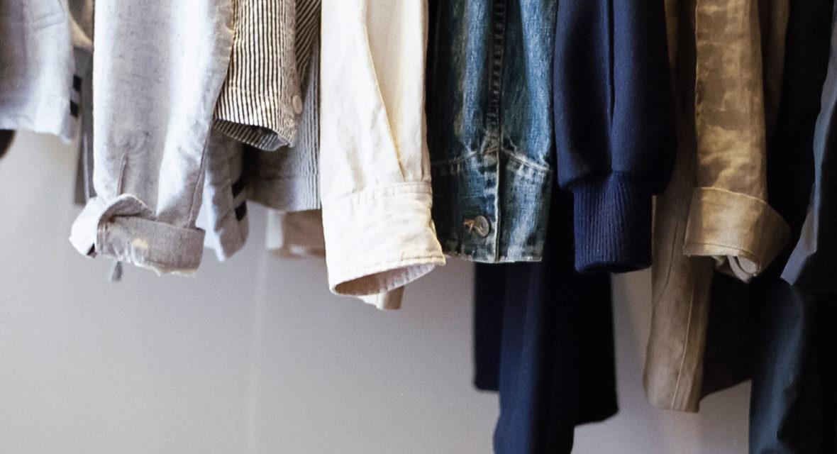 Mehr Platz im Kleiderschrank schaffen