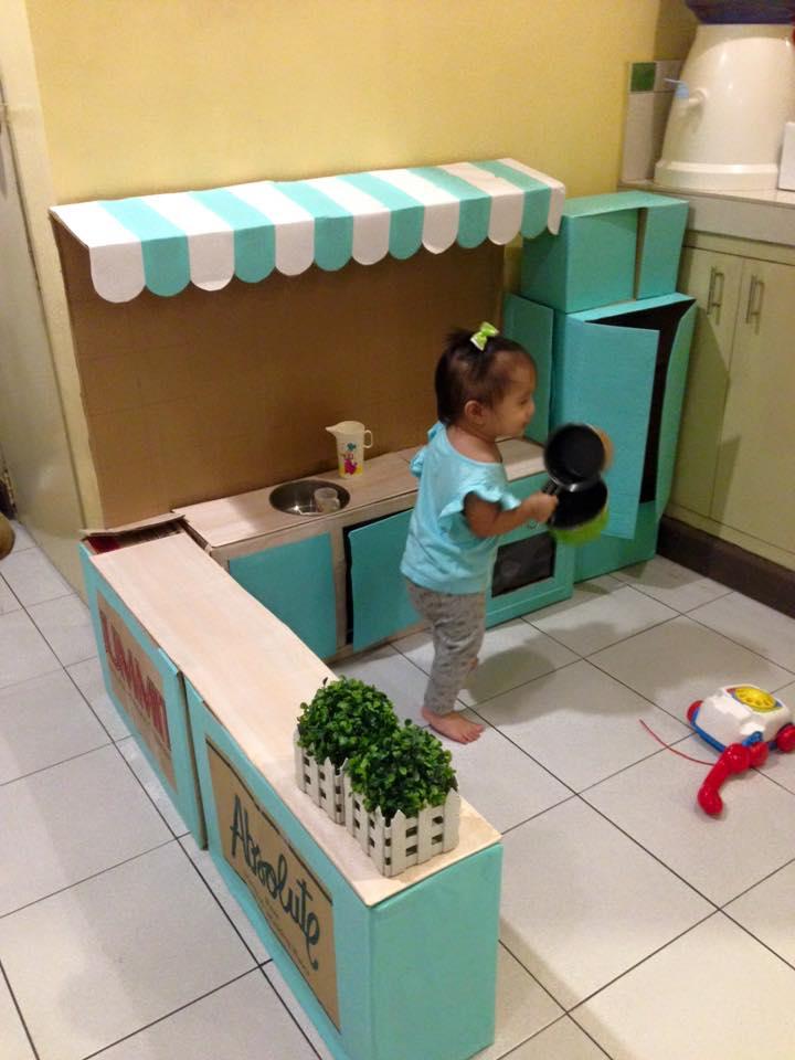 Spielküche aus Kartons