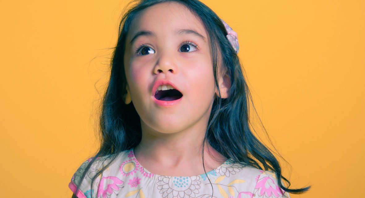 Fingerfarben selber machen und Kinder zum strahlen bringen.