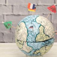 Geld verpacken: Weltkugel als Geldgeschenk