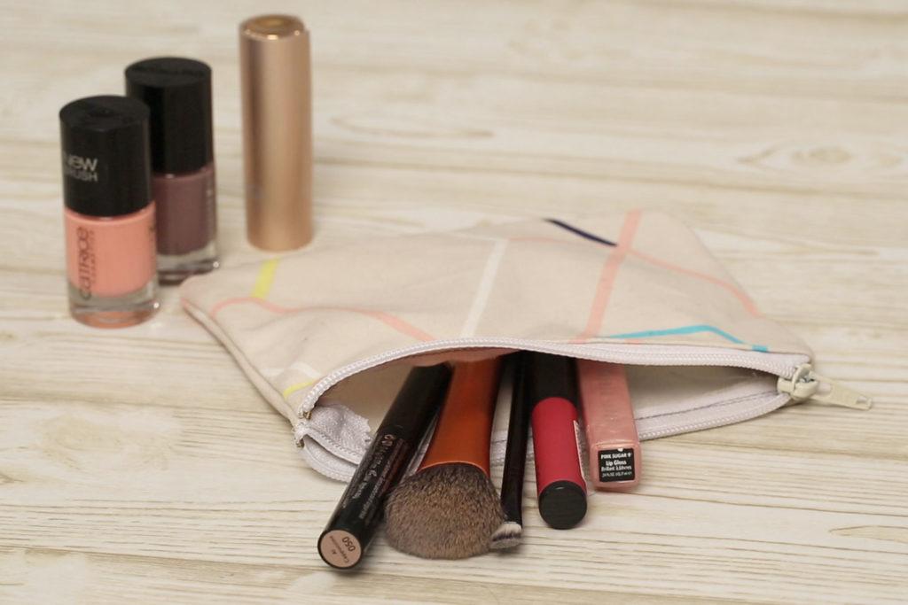 Kosmetiktasche nähen und Make-up Utensilien