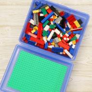 Spiel selber machen aus Lunchbox mit Legosteinen