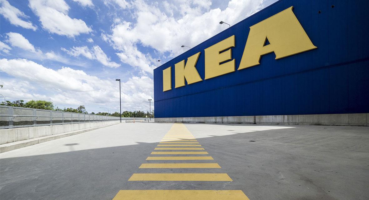 Ikea Logo auf einer Filiale