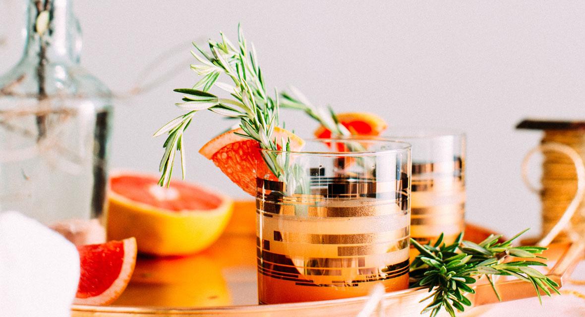 Gläser mit Blattmetall verschönern