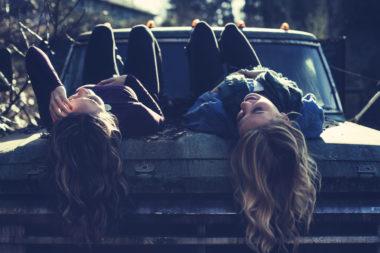 Freunde finden: Zwei Freundinnen haben eine Freundschaft
