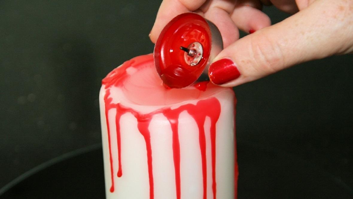 blutende Kerze für Halloween