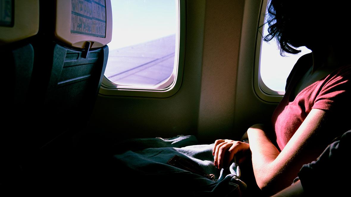 Wer schwanger in den Urlaub fliegen will, sollte vor allem den richtigen Zeitpunkt und das Reiseziel beachten