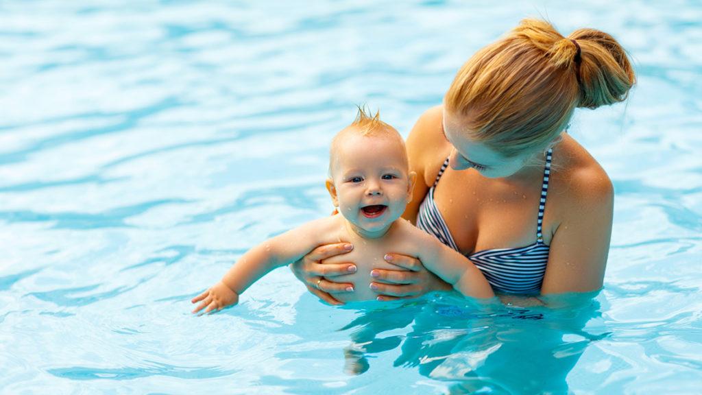 ewegung und sportliche Betätigung helfen dabei, das Gewicht nach der Geburt wieder zu reduzieren. Gemeinsame Aktivitäten mit dem Baby können dabei zudem die Eltern-Kind-Bindung stärken