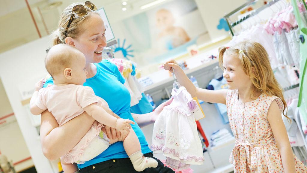 Kinder wissen oft genug schon selbst, was ihnen gefällt, allerdings wissen sie eben noch nicht, die damit verbundenen Kosten einzuschätzen.
