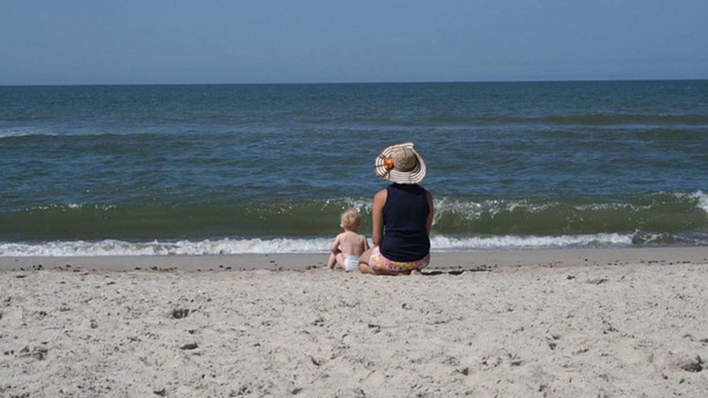 Dänemarks Strände sind ein beliebtes Familienziel während der Sommermonate.